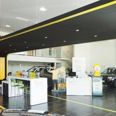 Cobertura interna - showroom Renault
