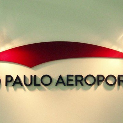 Letreiro para aeroporto - Leite Lopes