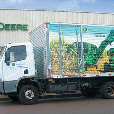 Envelopamento de caminhão corrugado John Deere